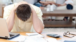 A List of Advantages and Disadvantages when Applying for a Business Loan from a Bank