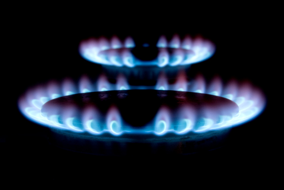 Big Six Energy Companies Set To Pocket &pound 106 Per Household Over The Next Year