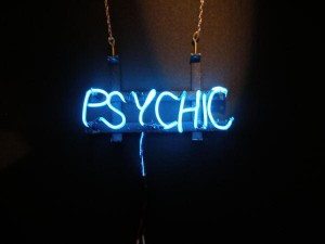 5 Factors to Consider Before Visiting a Psychic