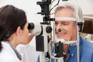 Difference Between Optometrists & Ophthalmologists