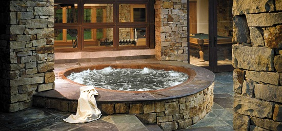 How Are Hot Tubs Built
