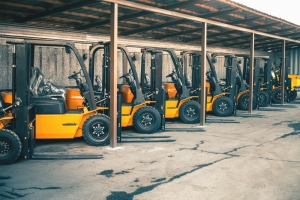Operating a Forklift in the Right Manner – Few Safety Tips on Road
