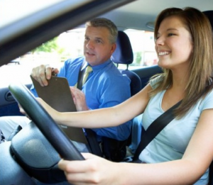 How Taking A Driving Class Is Better Then Teaching Yourself