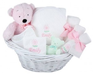 4 WAYS TO CHOOSE IDEAL BABY GIFTS2